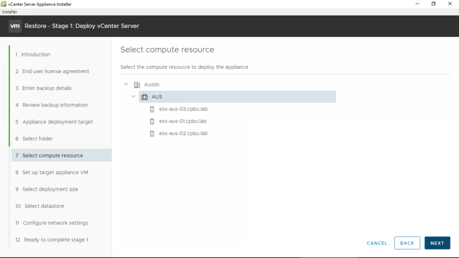 Select a VM folder to deploy the vCenter Server Appliance to and click [Next].